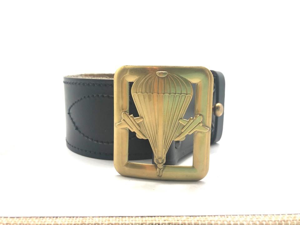 Cinturón del paracaidista, oficial