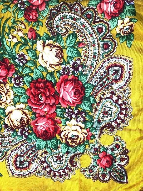 Pañuelo color oro en estilo ruso, 90*90cm