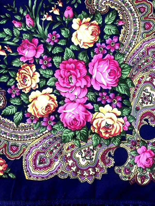 Pañuelo en estilo ruso, azul oscuro 90*90 cm