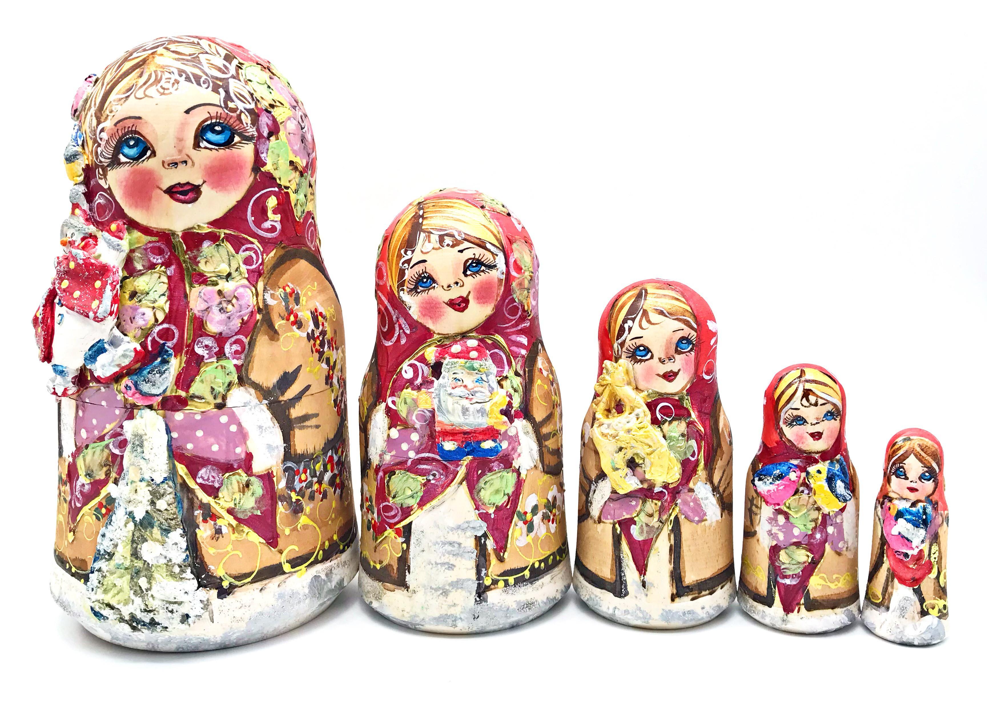 Matrioska en un sombrero con un muñeco de nieve, 5 asientos. 20 cm