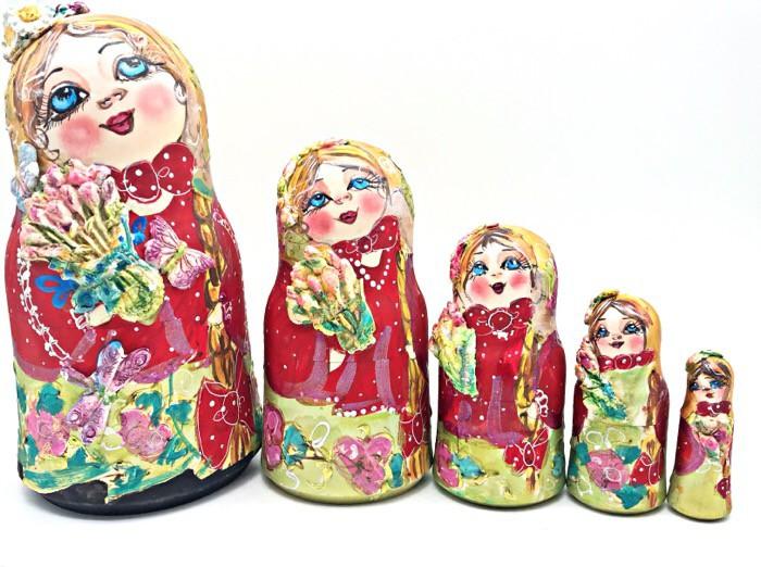 Matrioshka con una moldura de 20 cm., 5 piezas.