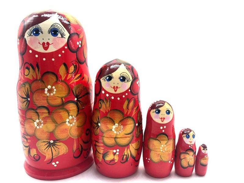 Matrioshka roja con oro, 15 cm.