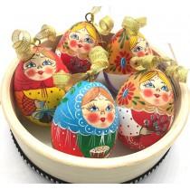Huevo pequeño pintado a mano