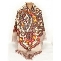 "Pañuelo de lana con flecos de seda ""En un torbellino de baile"", 146 * 146 cm."