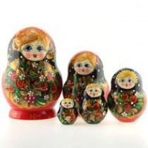 Matrioska roja con flores de 5 piezas