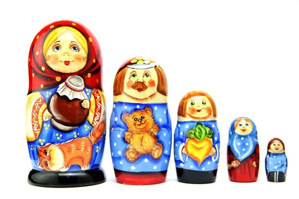 """Матрешка """"Семейки"""" 5 мест"""
