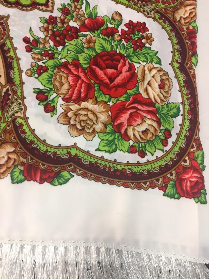 Платок с шелковой бахромой, размер 140*140 см